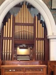 All Saints church, Edmonton, north London, The present-day organ seen in the first bay of the chancel, north side.