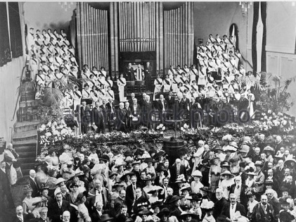 1911: the stage of the Duke's Hall in the Royal Academy of Music during the opening festivities.