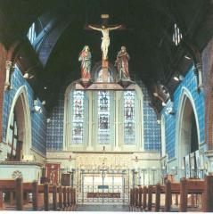 Chancel and Sanctuary of St Thomas the apostle parish church, London N4 (c.2010) . Source: The National Churches Trust http://www.nationalchurchestrust.org