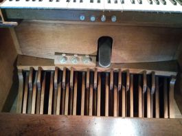 St Peter's Walworth (1824), pipe organ, pedals, in 2017