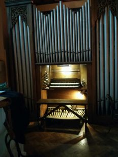 Organ front. Our Lady and St Catherine of Sienna Catholic church London E3, pipe organ by Hill, Norman and Beard.