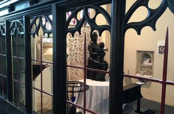 'Black Virgin' statue, 1972, by Catharini Stern (1925-2015) in the St Katherine's chapel, St Mary's church, Willesden. ©Willesden PCC, 2000