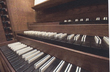 The keyboards of the organ in St Botolph-without-Aldgate, London, c.2010