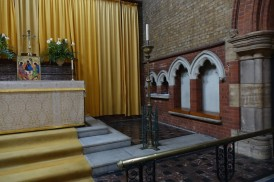 St Andrew Earlsfield, chancel, sedilla and piscina, c 2016. Source 'https://londonchurchbuildings.coms', accessed 6/8/17.