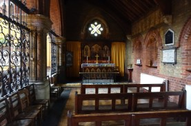 St Andrew Earlsfield, south aisle looking east, chapel, c 2016. Source 'https://londonchurchbuildings.coms', accessed 6/8/17.