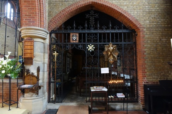St Andrew Earlsfield, south aisle looking east, chapel screen, c 2016. Source 'https://londonchurchbuildings.coms', accessed 6/8/17.