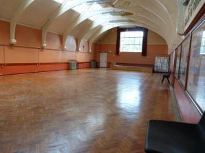 Tne main hall (1908) at St Aldhelm's church, London N18.
