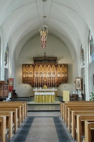St Agnes Kennington, London.. The chancel.