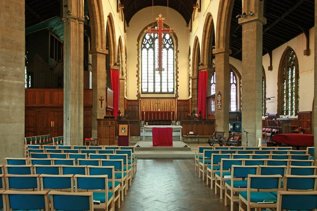 St Barnabas Southfields (London UK) Nave looking east. [Source: John Salmon (2012): /www.geograph.org.uk/]