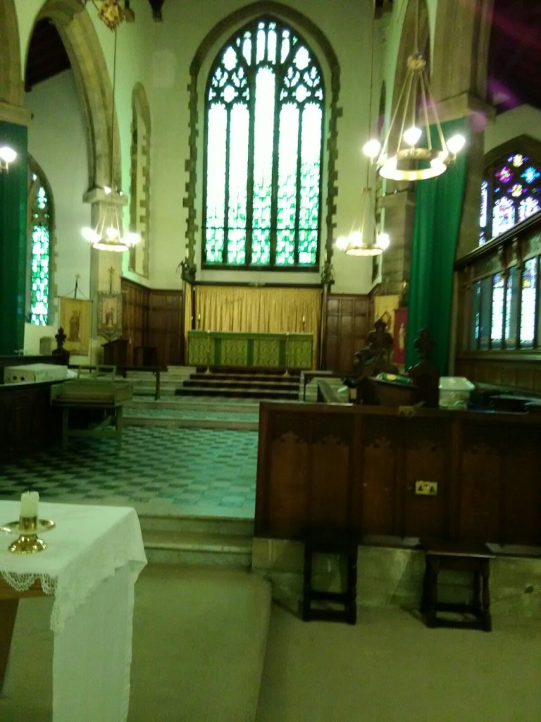 St Barnabas Southfields (London UK). The chancel, looking east. [Source: Andrew Pink © 2019]