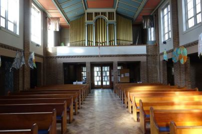 St Mary Newington, London. Nave, looking west, and organ gallery. 2018. [Source: ttps://londonchurchbuildings.com]