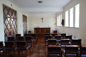 St Mary Newington, London. Side chapel. 2018. [Source: ttps://londonchurchbuildings.com]