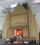 Kensington Chapel, Allen Street, London W8. Pipe-organ of 1958, by Henry Willis & Sons Ltd.