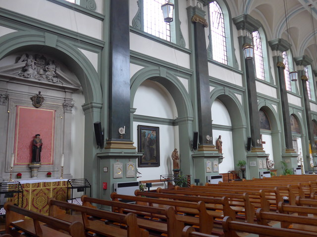 Church of Our Most Holy Redeemer & St Thomas More, Chelsea, London (UK). [Source: geograph.org.uk]